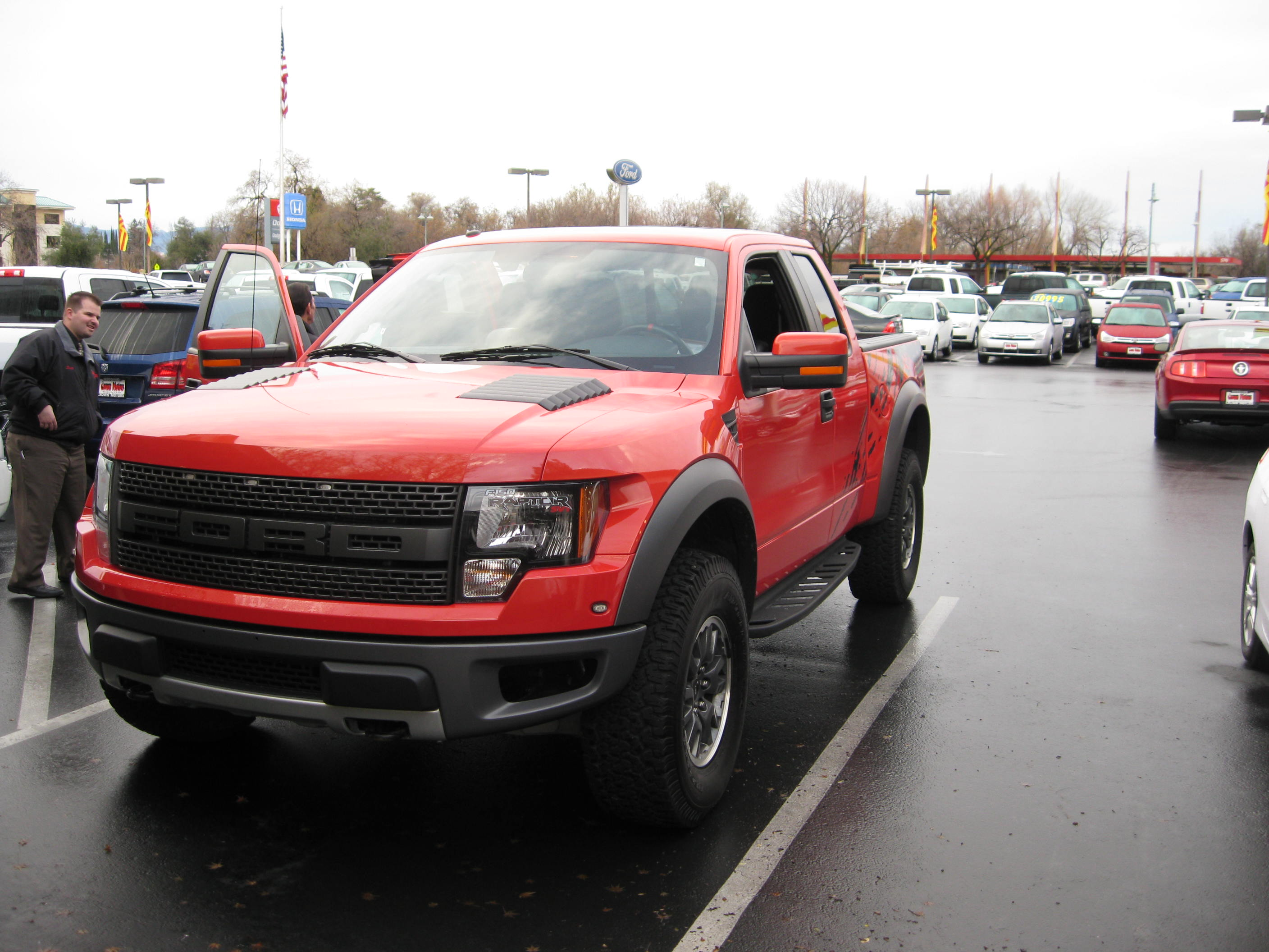 2010 ford raptor race bred 4wd pickup crown motors auto for Crown motors ford redding